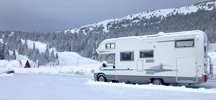 Isolation camping-car neige hiver ski